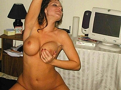 Naked Mature Big Boobs Photo at Home