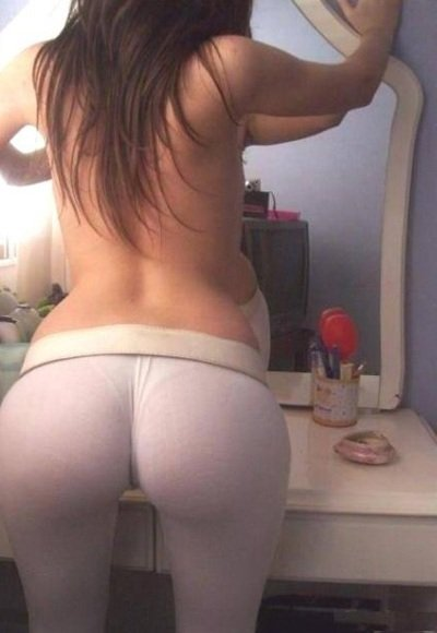 Yoga Pants Camel Toe on Hot Pussy