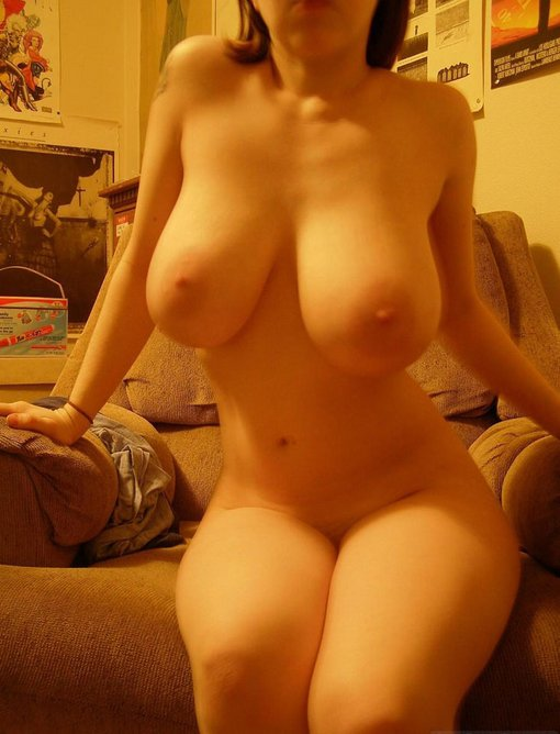 Natural big tits nude