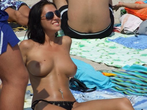 Cute Brunette with Nice Tits Topless on Beach
