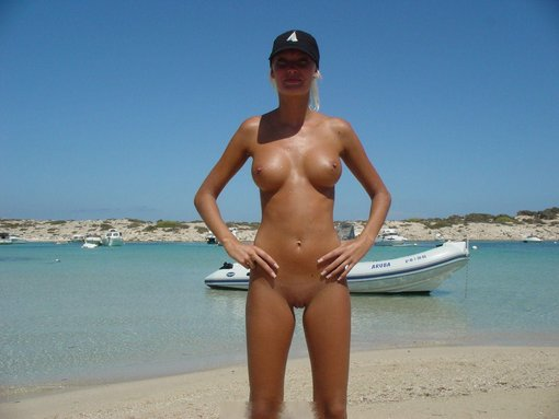Hot Russian Girlfriend Naked at the Beach